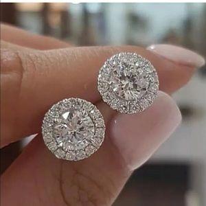 Women's circle stud earrings